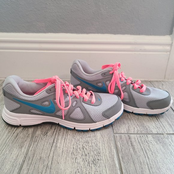 Nike Revolution 2 womens sneakers grey and pink 6